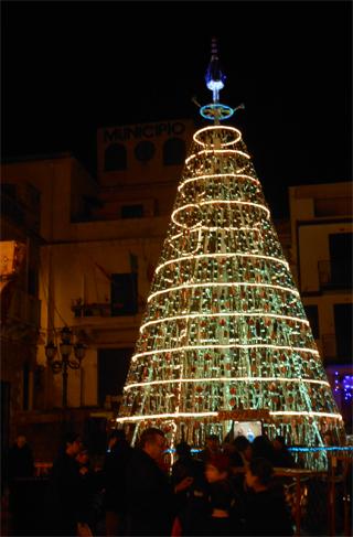 Arredo Urbano Natalizio.Natale 2014 Accensione Dellalbero Di Natale